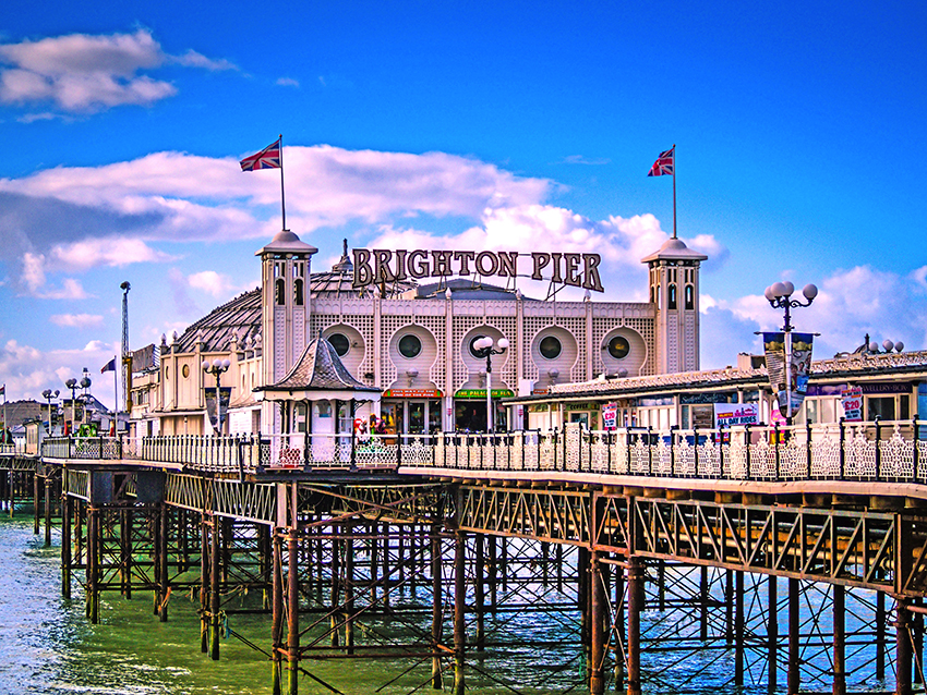 Brighton Pier  (© darrencoleshill - Pixabay)