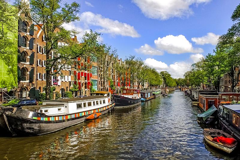 Amsterdam (© djedj - Piaxabay)